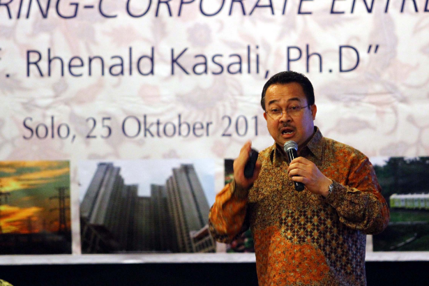 Biografi Singkat Guru Besar FEB Universitas Indonesia, Prof. Rhenald Kasali