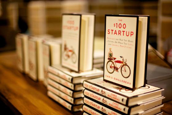 $100 StartUp oleh Chris Guillebeau, Buku Panduan Buat kamu yang mau Mendirikan StartUp